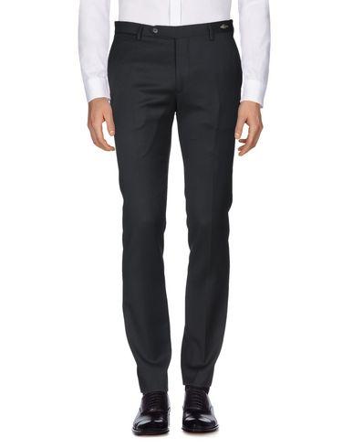Фото 2 - Повседневные брюки от TAGLIATORE черного цвета