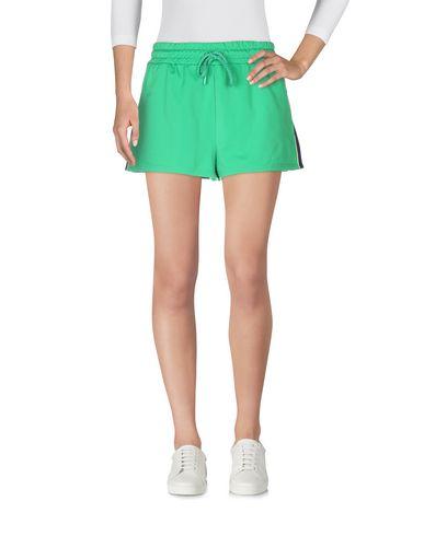 Фото 2 - Повседневные шорты от FENTY PUMA by RIHANNA зеленого цвета