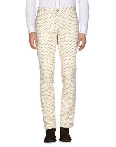Фото 2 - Повседневные брюки от INDIVIDUAL бежевого цвета