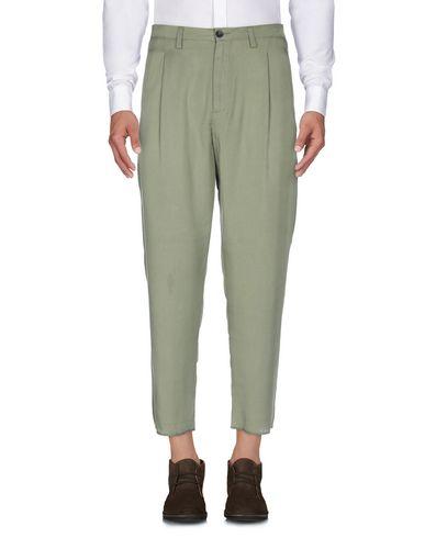 Фото 2 - Повседневные брюки от CHOICE NICOLA PELINGA цвет зеленый-милитари