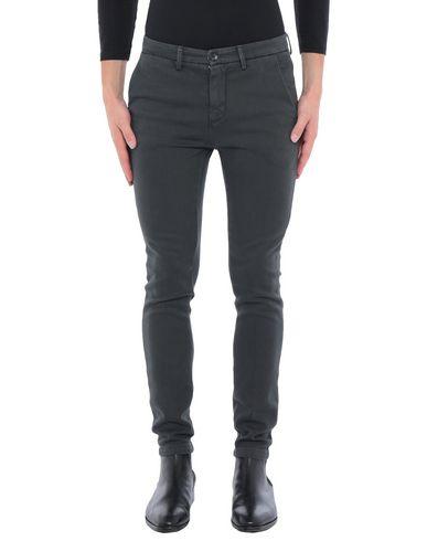 Фото - Повседневные брюки от YAN SIMMON свинцово-серого цвета