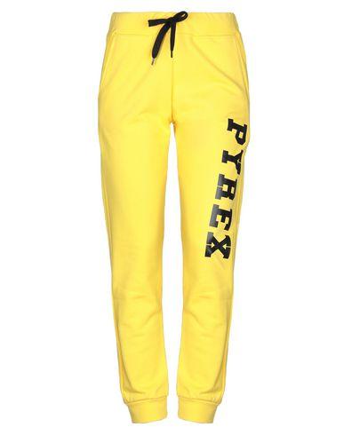 Фото - Повседневные брюки от PYREX желтого цвета