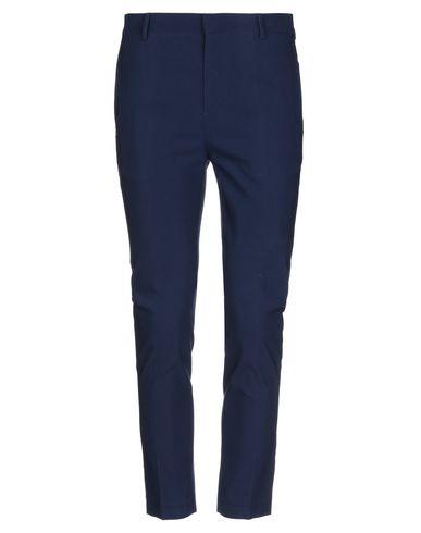 Фото - Повседневные брюки от DANIELE ALESSANDRINI HOMME синего цвета