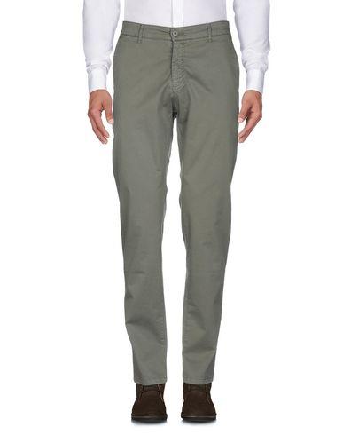 Фото 2 - Повседневные брюки от LIU •JO MAN цвет зеленый-милитари