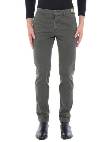 Фото - Повседневные брюки от MONOCROM цвет зеленый-милитари