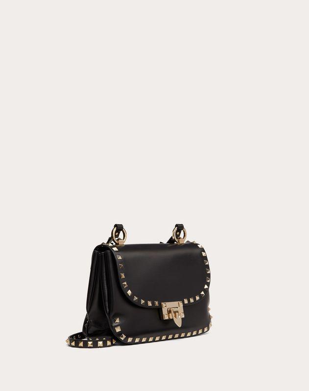 Маленькая сумка на ремешке Rockstud из глянцевой телячьей кожи