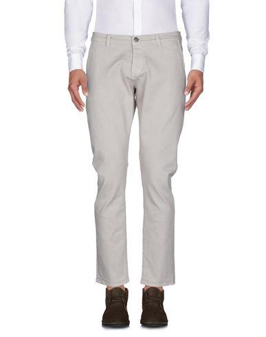 Фото 2 - Повседневные брюки от 2W2M бежевого цвета