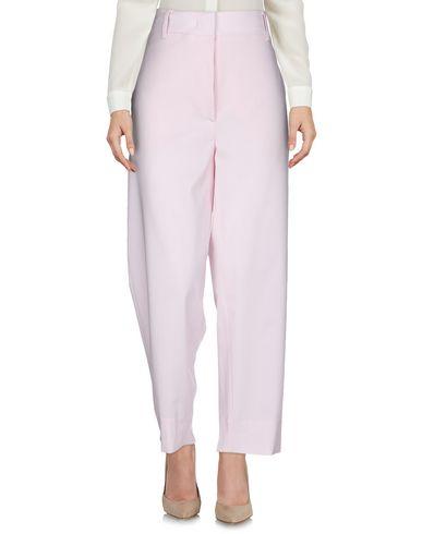 Фото 2 - Повседневные брюки от CEDRIC CHARLIER светло-розового цвета