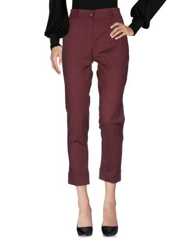Фото 2 - Повседневные брюки красно-коричневого цвета