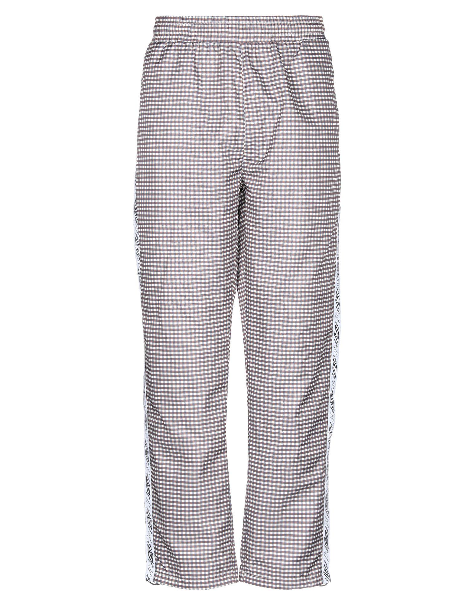 цены на SWEET SKTBS x UMBRO Повседневные брюки  в интернет-магазинах