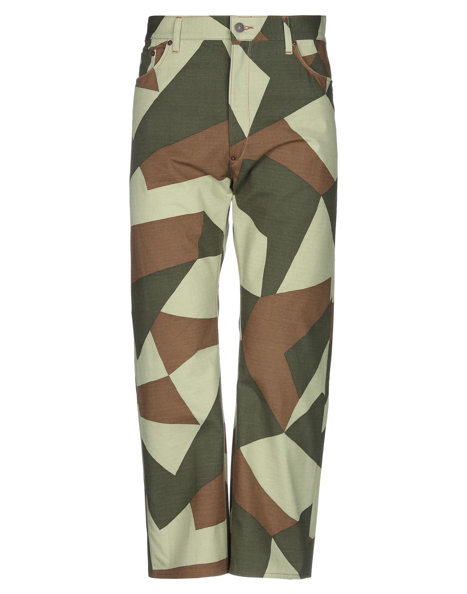 цена JUNYA WATANABE COMME des GARÇONS MAN X LEVI'S Повседневные брюки онлайн в 2017 году