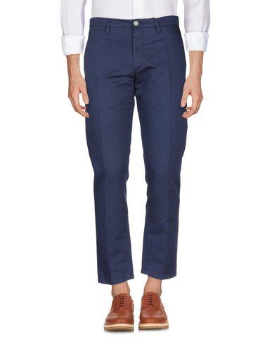 Фото 2 - Повседневные брюки от SIVIGLIA WHITE синего цвета