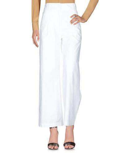Фото 2 - Повседневные брюки от ®EVEN IF белого цвета