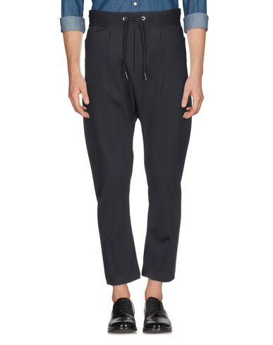 Фото 2 - Повседневные брюки от HIGH by CLAIRE CAMPBELL черного цвета
