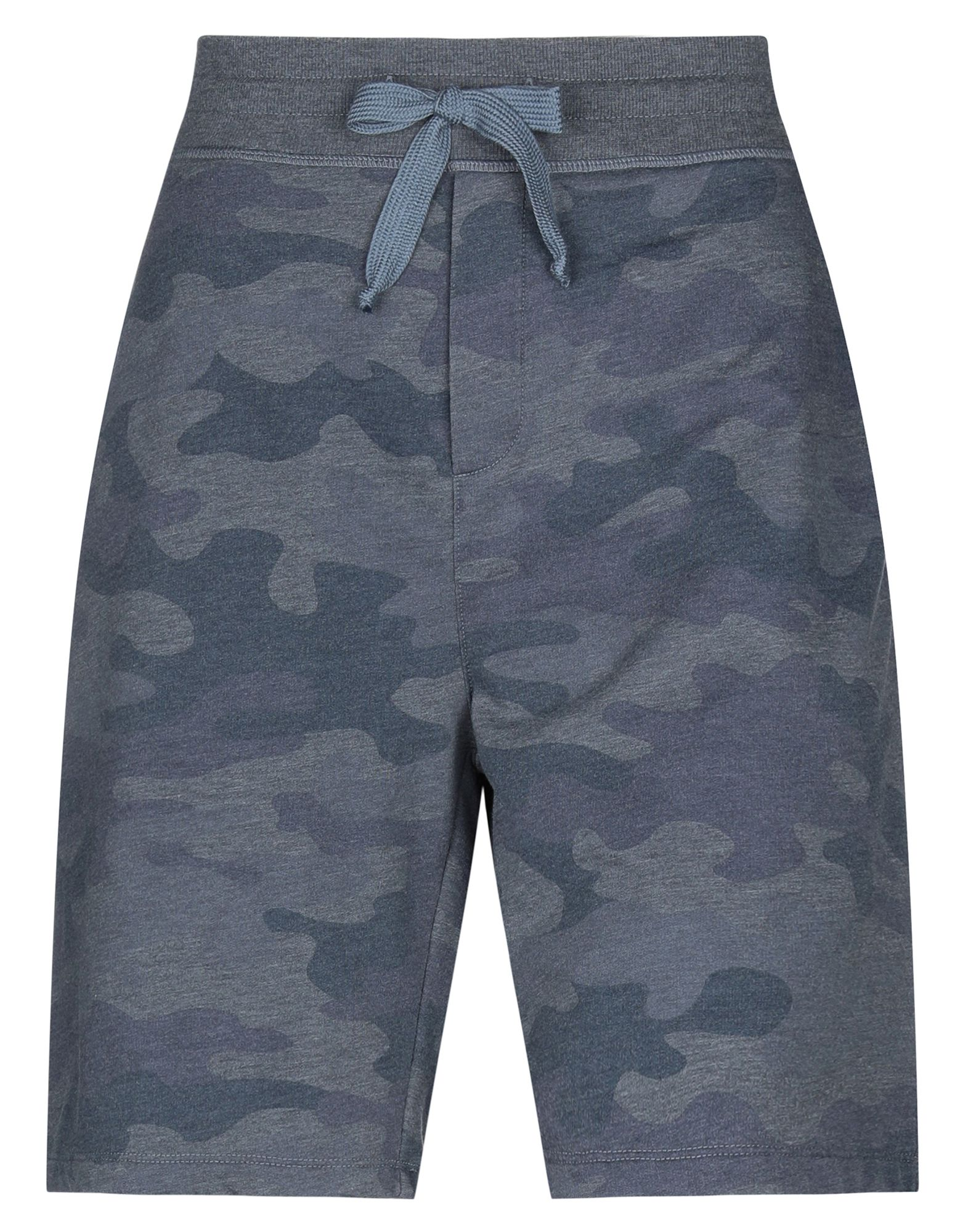 JUVIA Bermudas. sweatshirt fleece, camouflage, no appliqués, mid rise, tapered leg, drawstring closure, multipockets, fleece lining. 50% Cotton, 50% Polyester