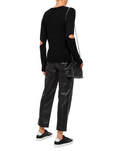 Фото 2 - Женский свитер n:PHILANTHROPY черного цвета