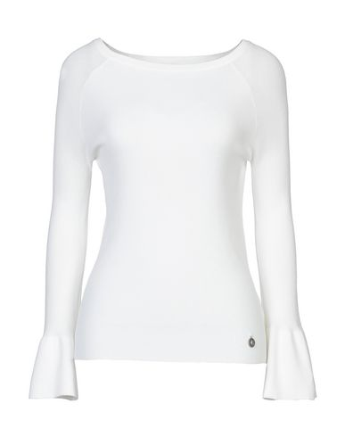 Фото - Женский свитер KORALLINE белого цвета