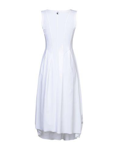 Фото 2 - Платье длиной 3/4 от HIGH by CLAIRE CAMPBELL белого цвета
