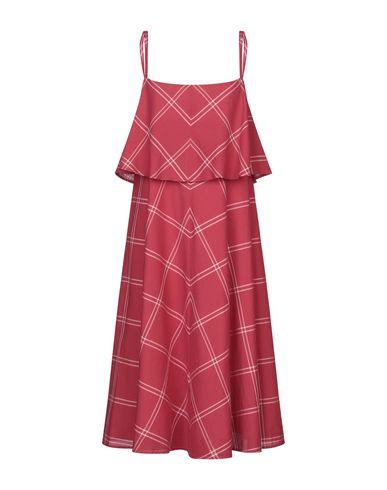 Фото - Платье до колена от MI.YA красного цвета