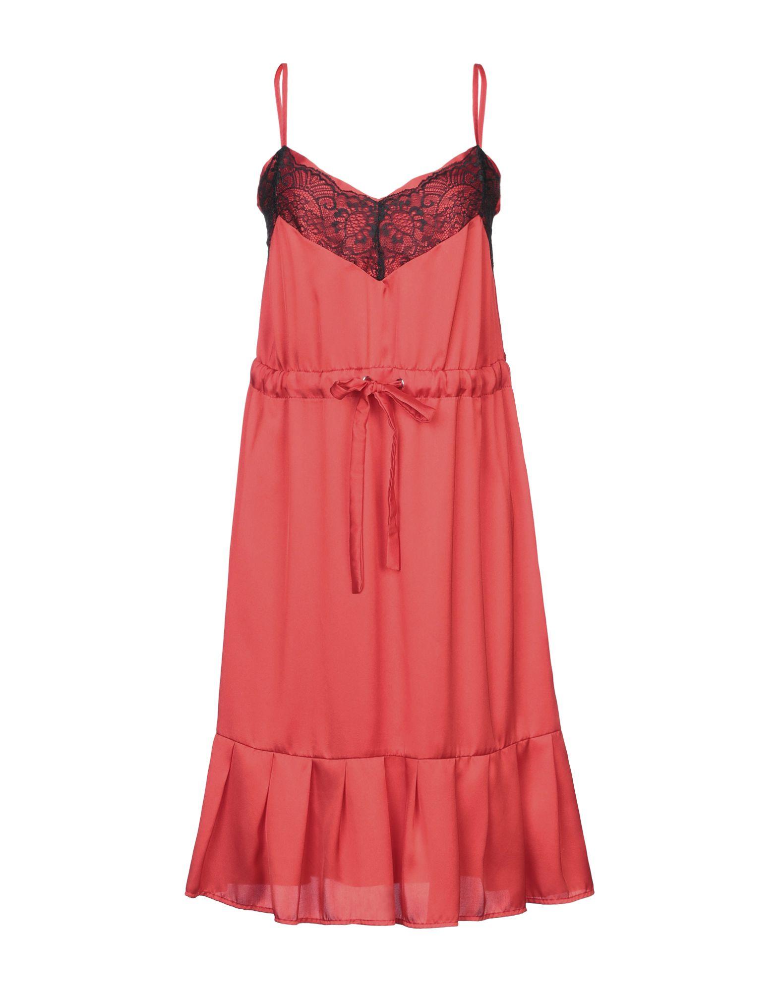 RUE•8ISQUIT Платье до колена