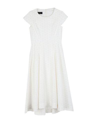 Фото - Платье длиной 3/4 от BABÉL белого цвета