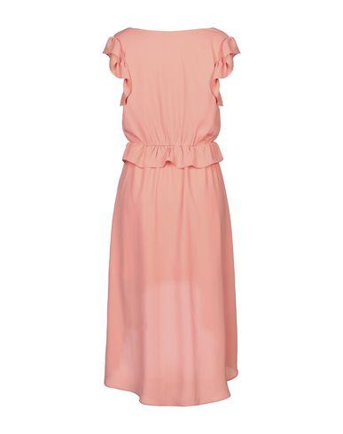 Фото 2 - Женское короткое платье KORALLINE лососево-розового цвета