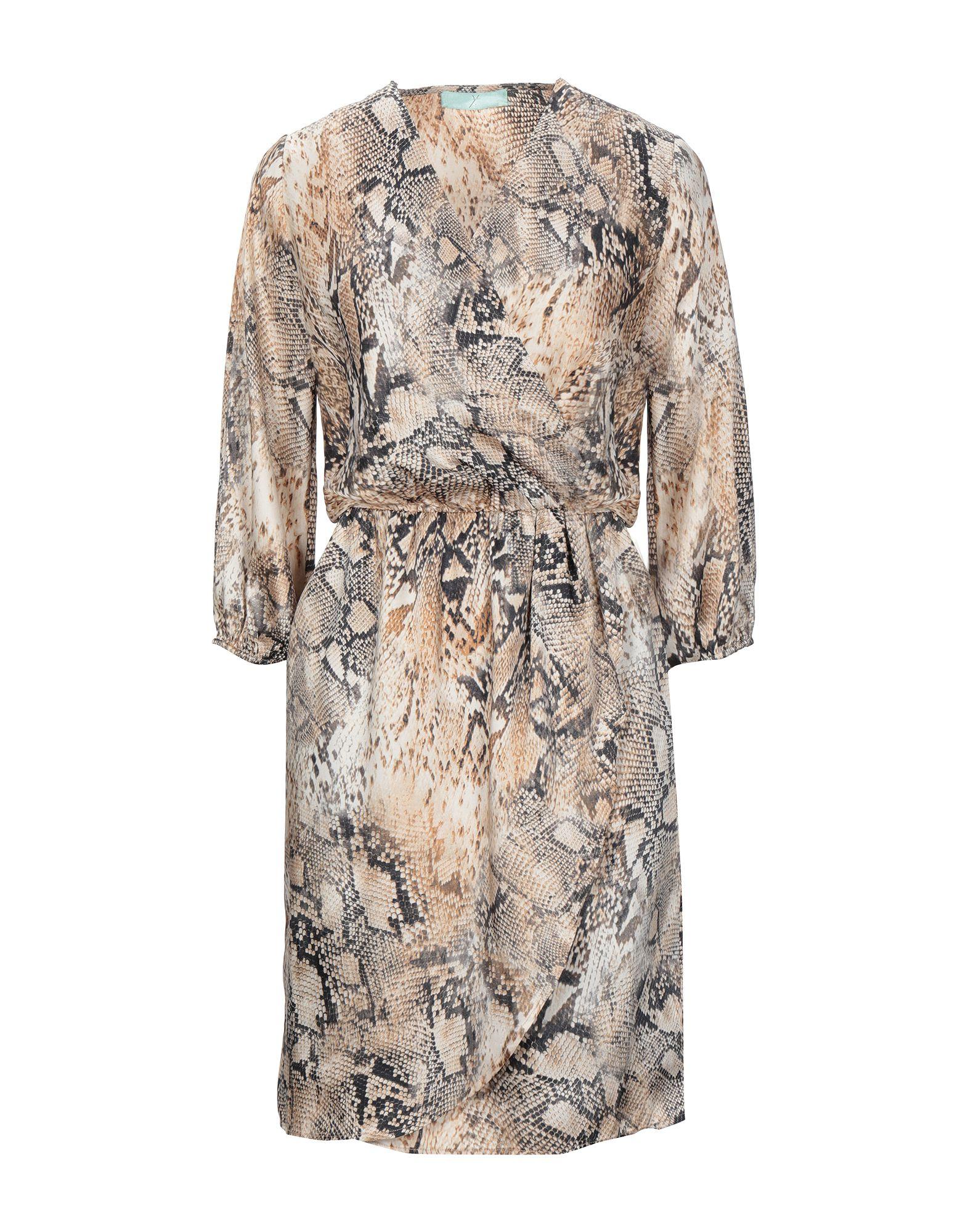 Y. Короткое платье