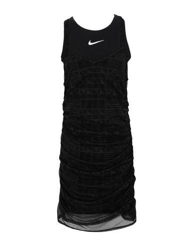 Короткое платье Nike 15032757DE