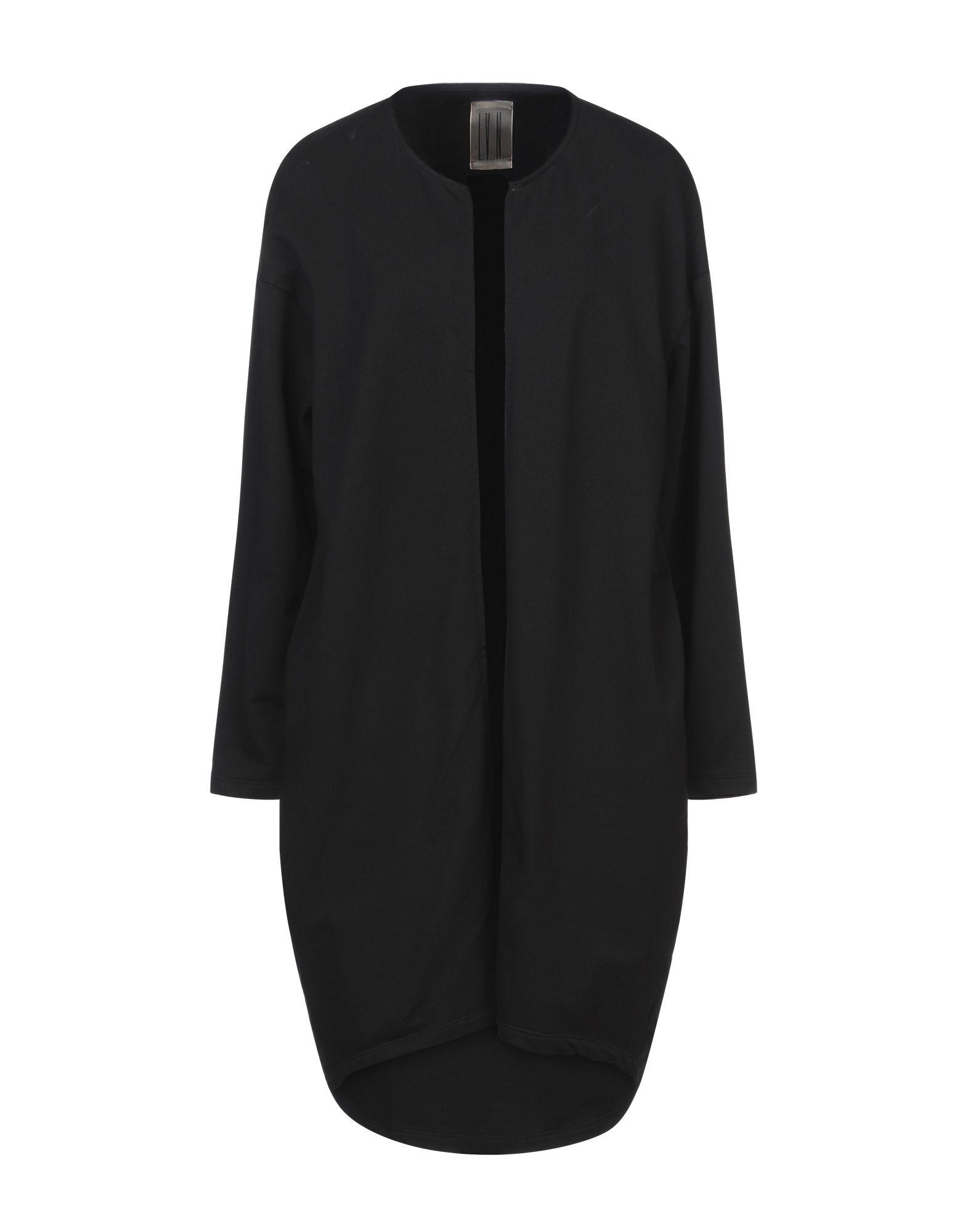 L.V..N. Короткое платье