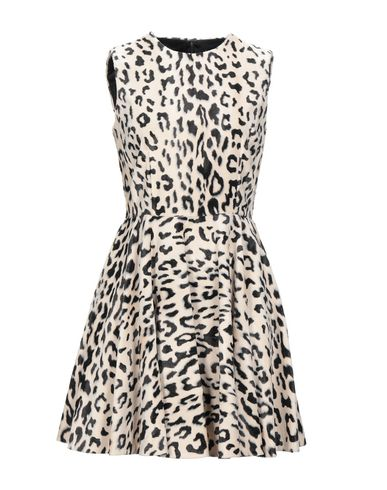 Короткое платье Dolce&Gabbana 15056533CK