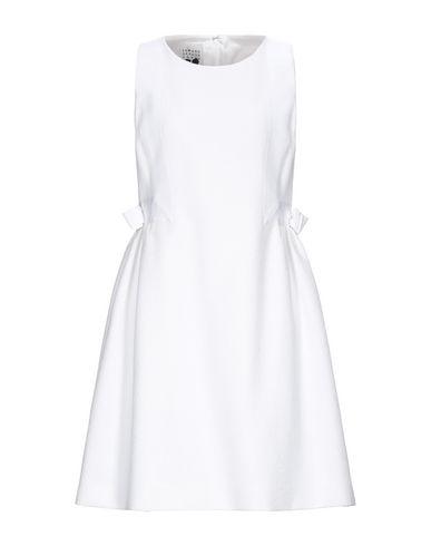 Короткое платье.