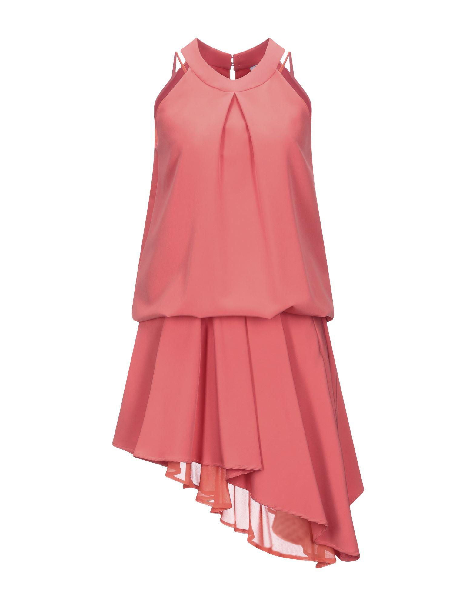Фото - GIL SANTUCCI Платье до колена gil santucci платье до колена