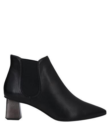 Полусапоги и высокие ботинки CHANTAL. Цвет: черный
