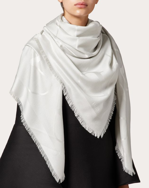 VLOGO shawl with lurex 140x140 cm / 55.1x55.1 in.
