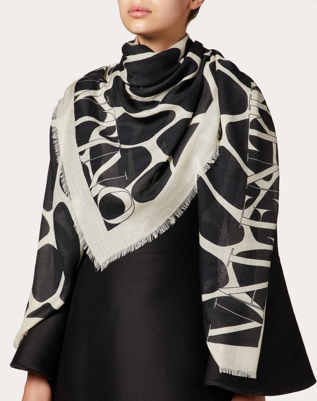 Reedition print silk twill shawl 140x140 cm