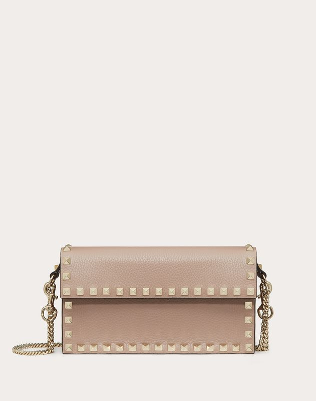 ROCKSTUD GRAINY CALFSKIN POUCH WITH ADJUSTABLE CHAIN STRAP