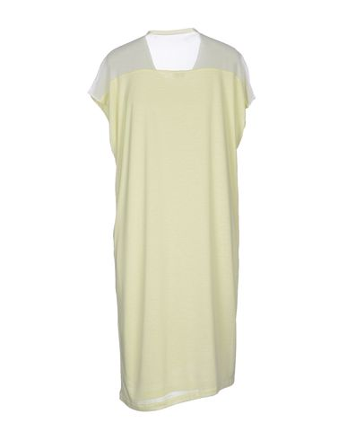 Фото 2 - Платье до колена светло-зеленого цвета