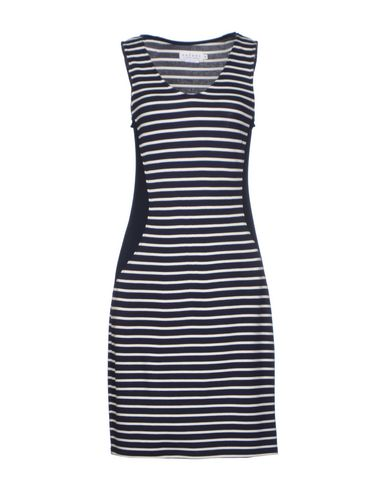 Фото VELVET Короткое платье. Купить с доставкой
