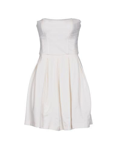 Фото - Женское короткое платье  белого цвета