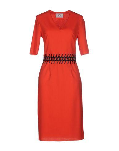 Фото - Платье до колена от TIZIANA PAVONCELLI кораллового цвета