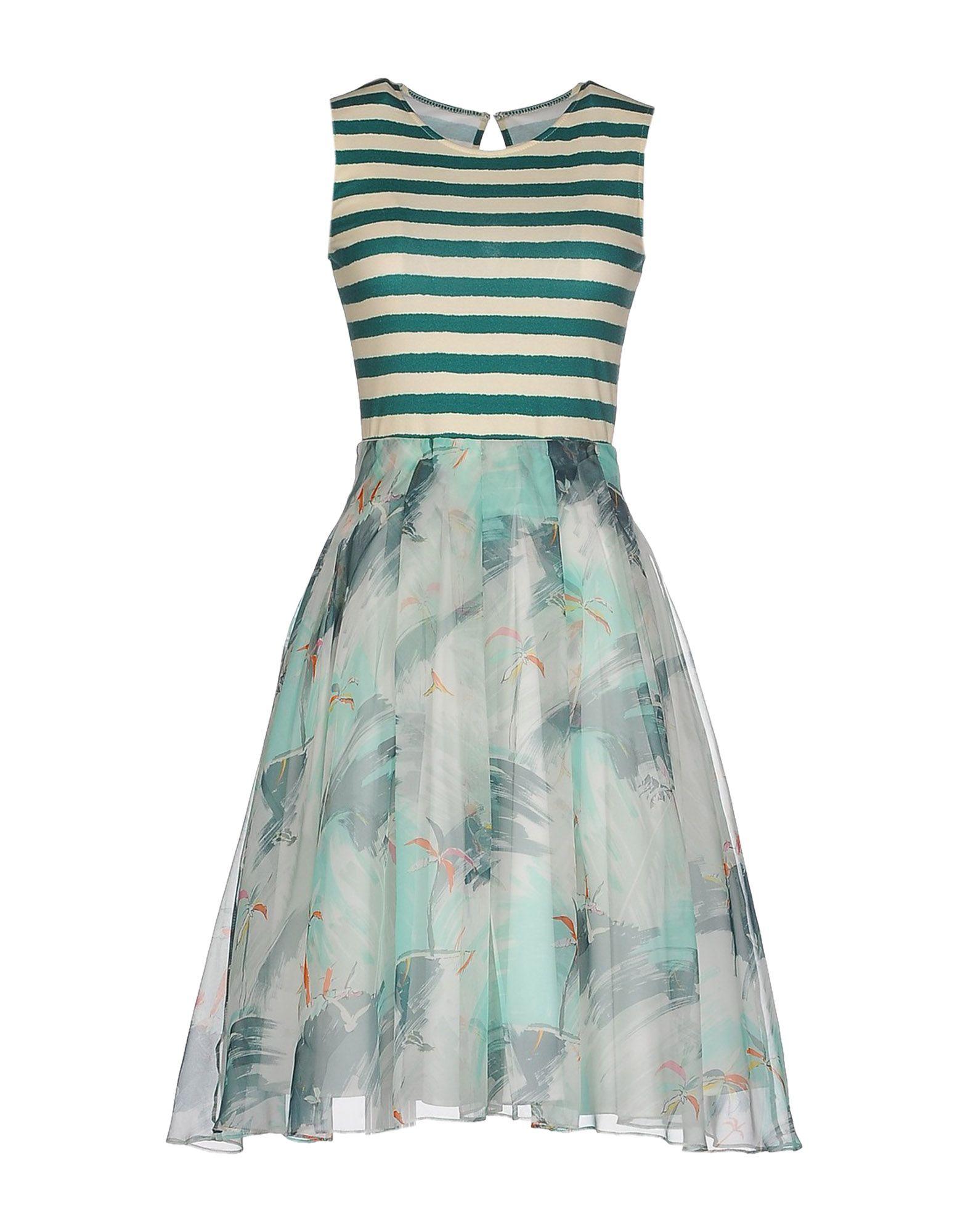 Короткое платье  Зеленый цвета