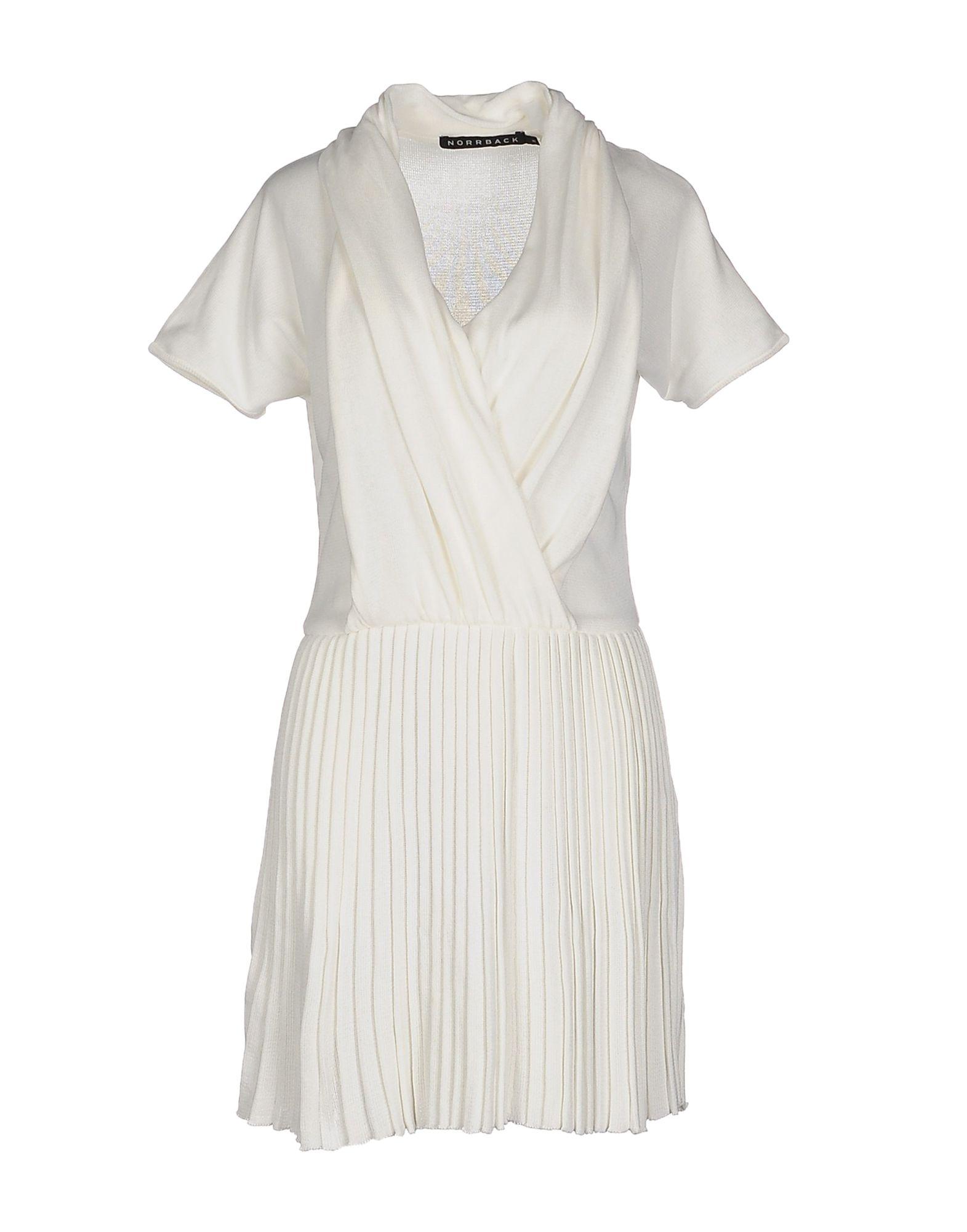 цена CAMILLA NORRBACK Короткое платье онлайн в 2017 году