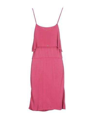 Фото 2 - Женское короткое платье  светло-фиолетового цвета