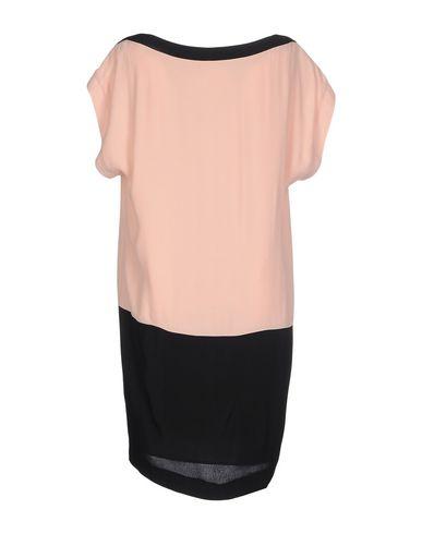 Фото 2 - Женское короткое платье LEENOY черного цвета