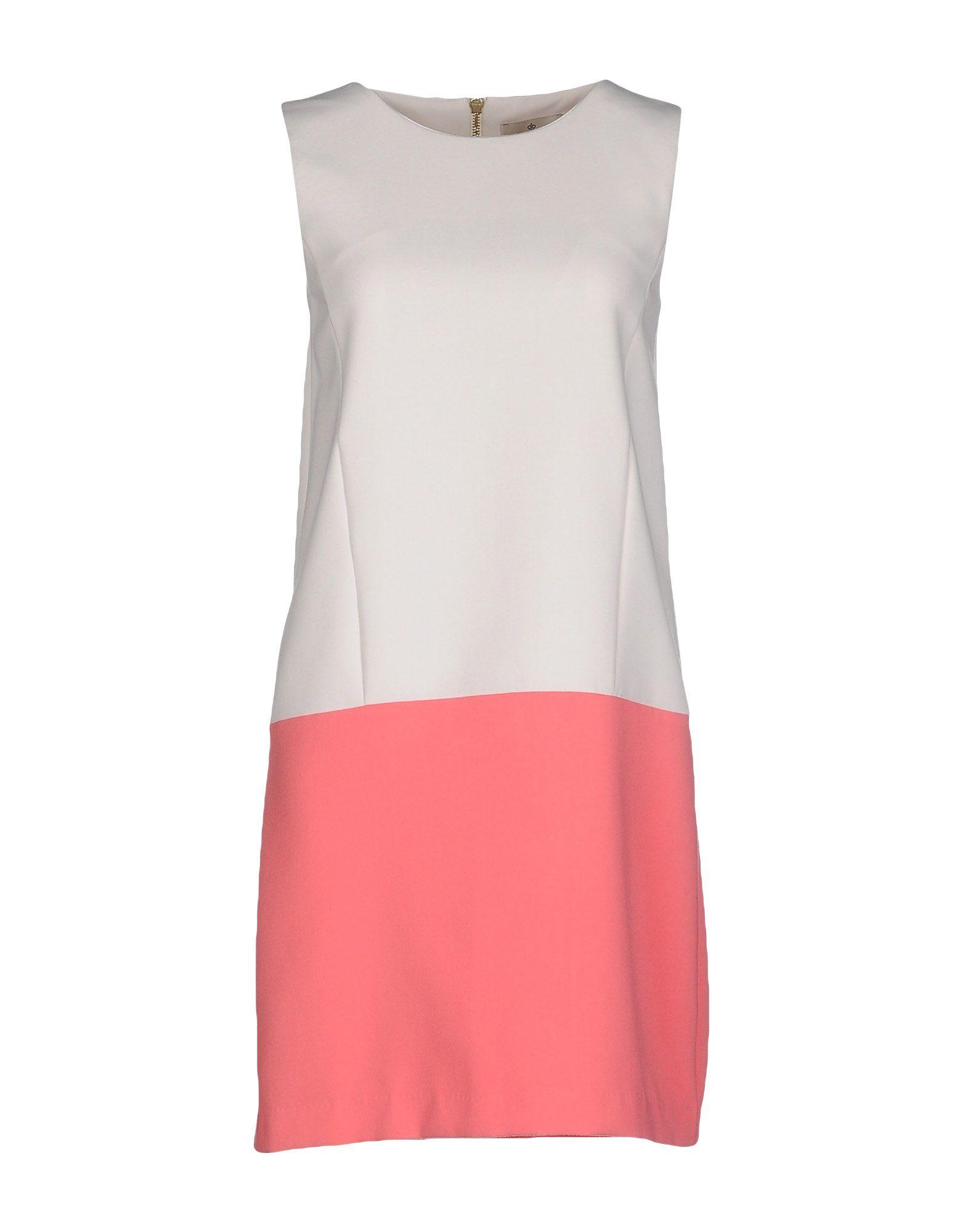 цена  ESSENTIEL Короткое платье  онлайн в 2017 году
