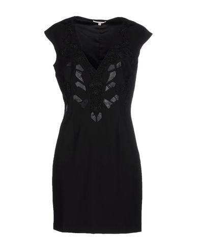 Короткое платье размер 42 цвет черный