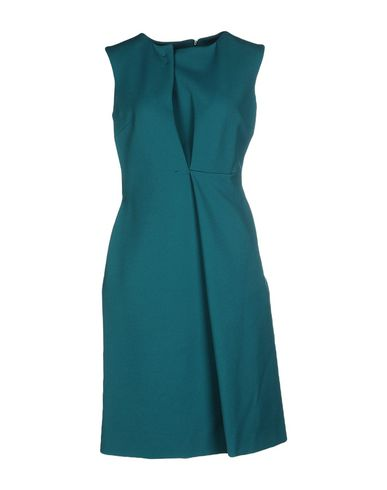 Фото - Платье до колена изумрудно-зеленого цвета
