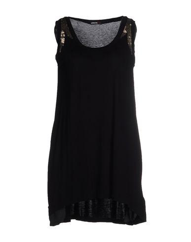 Короткое платье от LEROCK