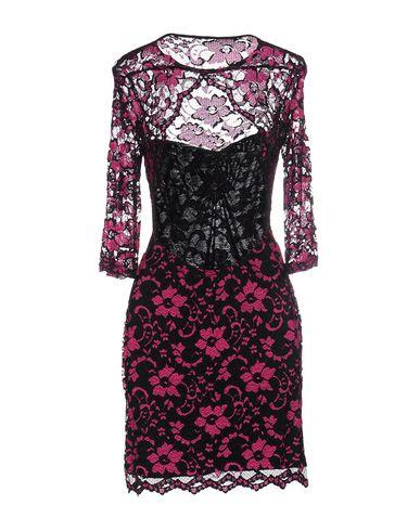 Фото 2 - Женское короткое платье ZACK цвета фуксия