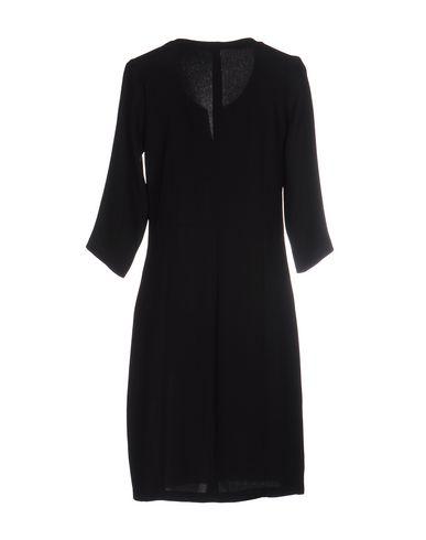 Фото 2 - Женское короткое платье DRESS ADDICT черного цвета
